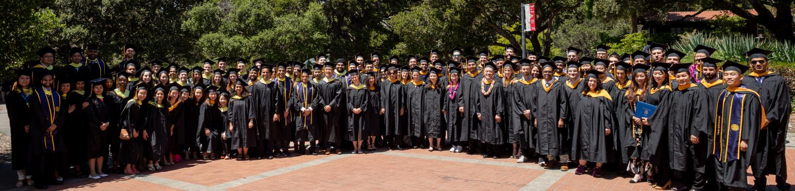 commencement May 2018 group photo