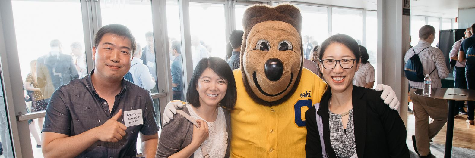 students with Oski