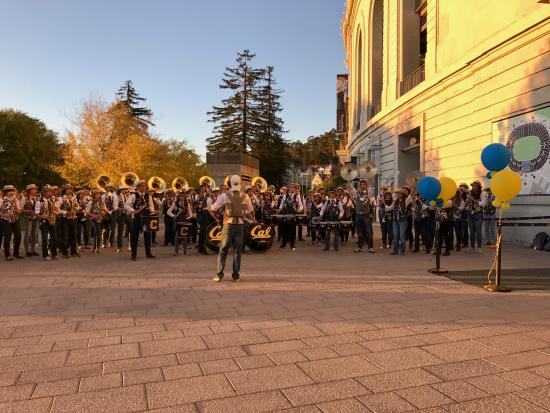 Cal Band serenades students