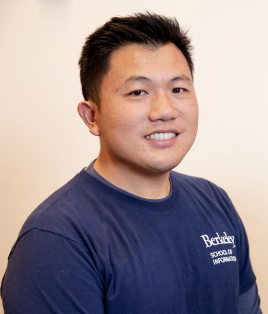 headshot of David Ng