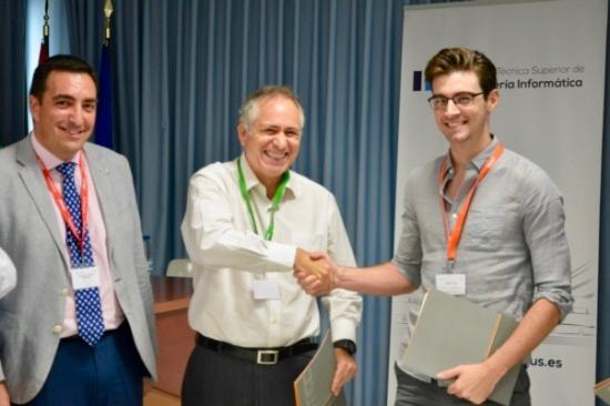 Max Curran receives Best Student Paper Award