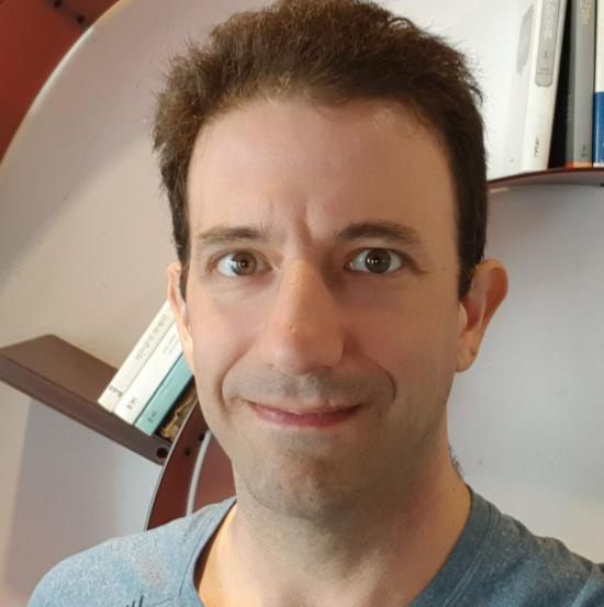headshot of Stuart Schechterv