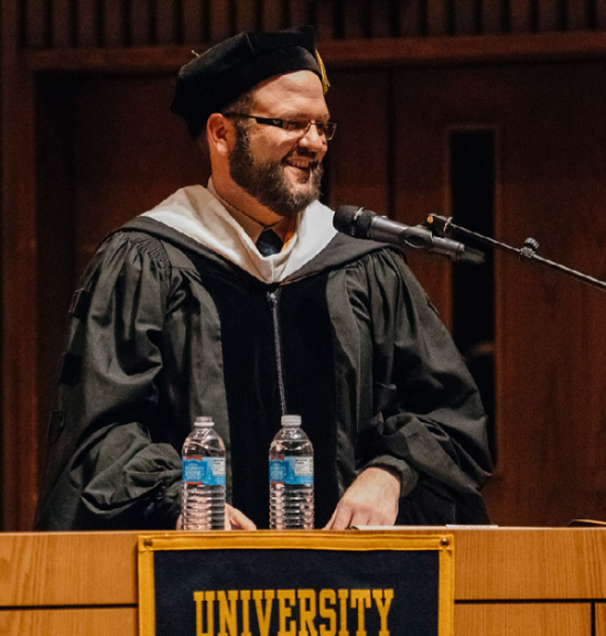 Joe Hall delivers the keynote address at Commencement in 2018